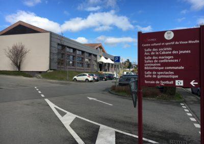 Vieux Moulin entrée centre sportif